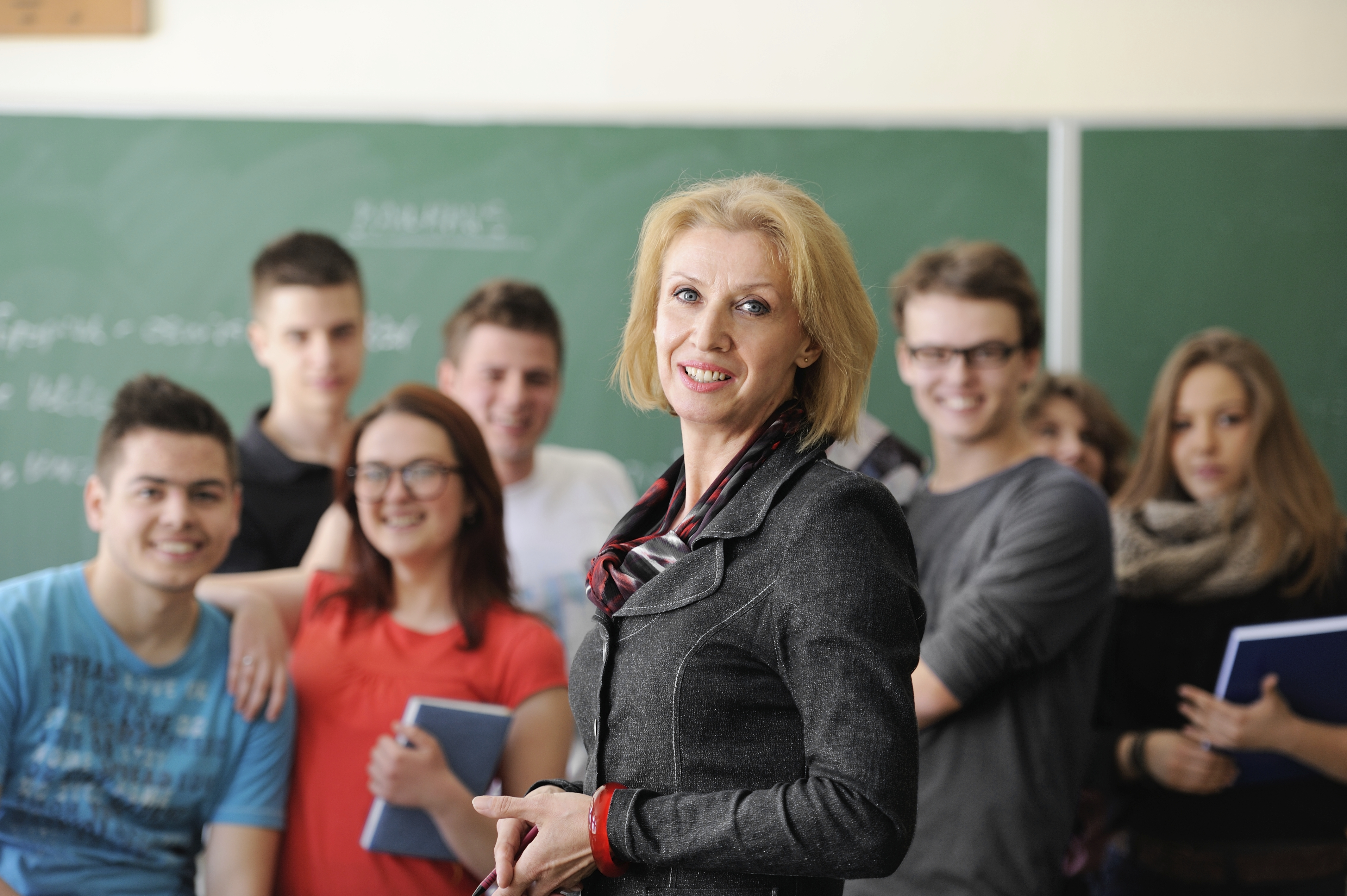 преподаватель по фотографии вакансии